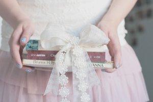 126712__bunt-books-books_p